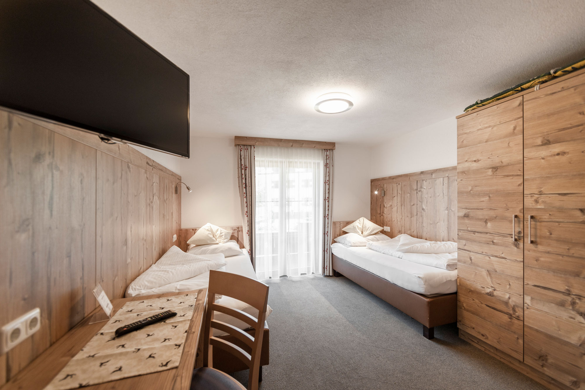 Alpenhof-Lermoos-Zimmer-15