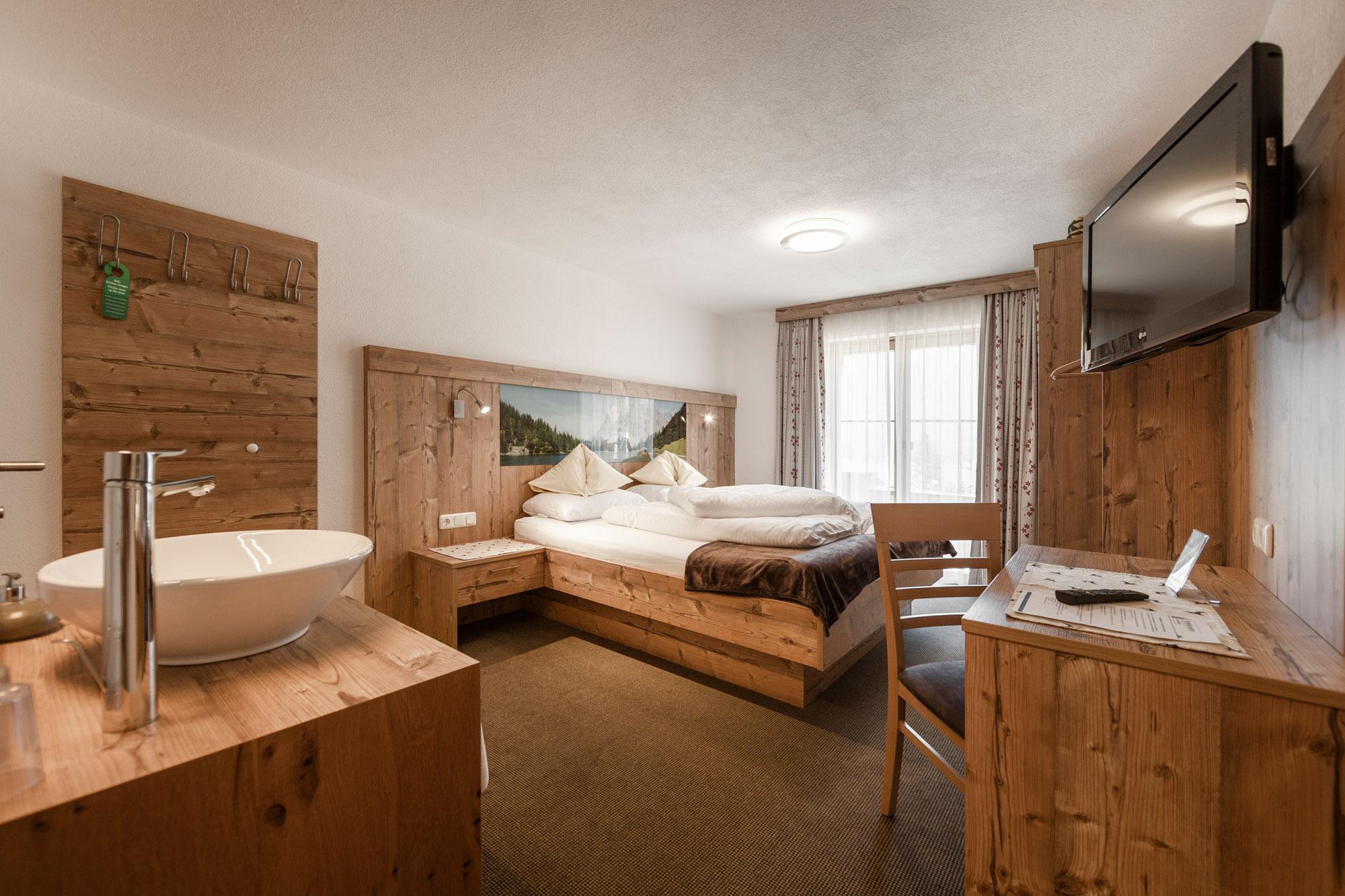 Alpenhof-Lermoos-Zimmer-16(1)