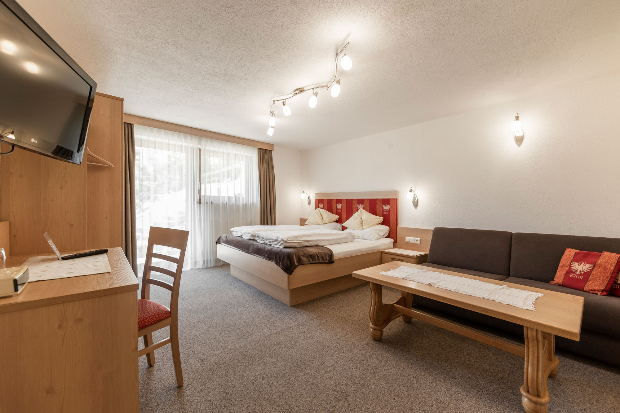 Alpenhof-Lermoos-Zimmer-8(1)
